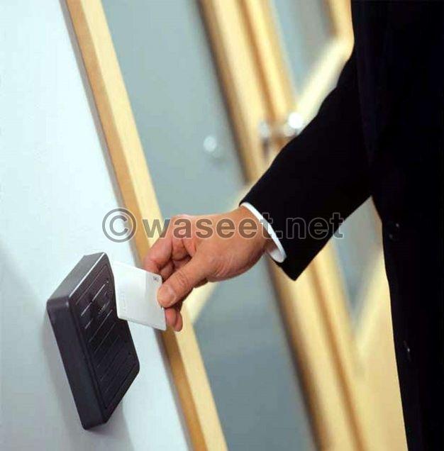 أجهزة التحكم بالأبواب للبيع