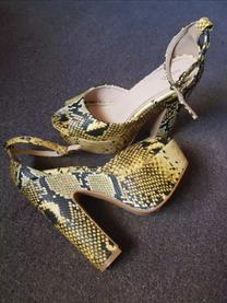 أحذية نسائي ماركات
