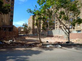 ارض للبيع 696 م شارع المقطم الرئيسي