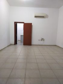 Studio for rent in the city (Shakhbout)