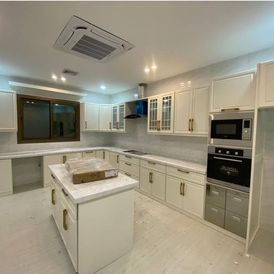 Design and implementation of aluminum kitchens