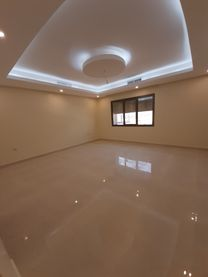 Al Siddiq First Floor with Balcony 5 rooms+Hall+G