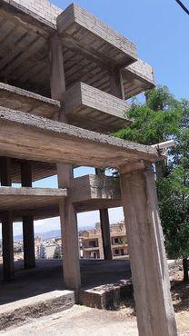 بناية قيد الانشاء للبيع في بحمدون