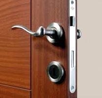 تركيب وصيانة أقفال الأبواب