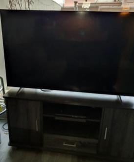 تلفزيون سمارت مع الطاولة 4