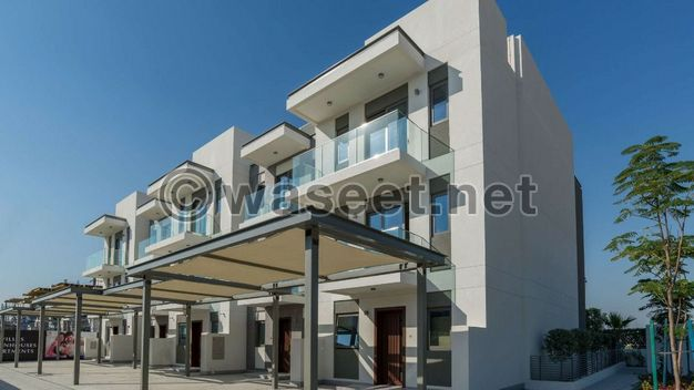 Three floors villa and elevator with an area of 4000 feet