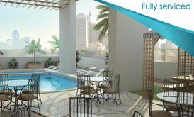 تملك شقة غرفة وصالة بمدينة الشارقة .