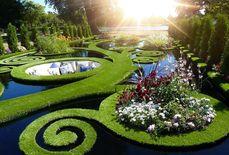 تنظيف وتعديل وتنسيق الحدائق