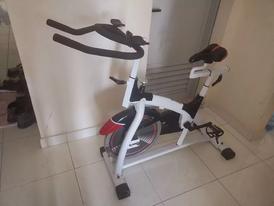 جهاز دراجة ثابتة للبيع