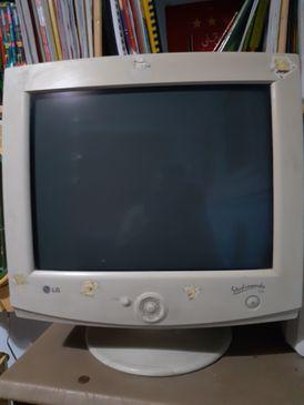 جهاز كمبيوتر ديسك توب بحالة جيدة للبيع