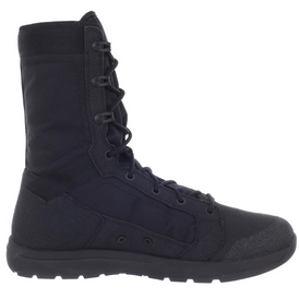 Military boots from Denier company 12