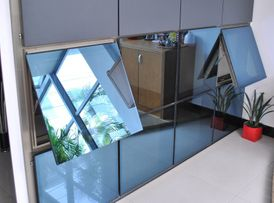 Dubai Glass Works