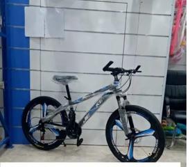 دراجة بمقاسات واشكال مختلفه