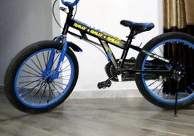 دراجة هوائية متوسطة
