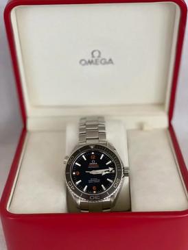 ساعة اوميجا للبيع