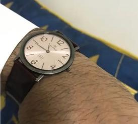 ساعة تيتان اصلية  للبيع