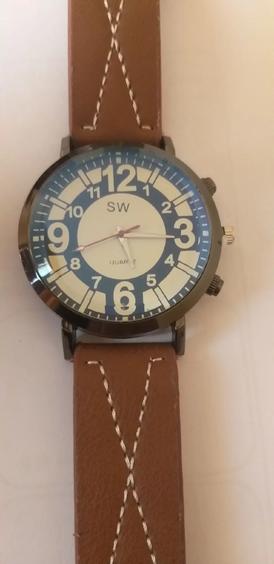 ساعة جديدة للبيع