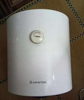 سخان كهربائي اريستون