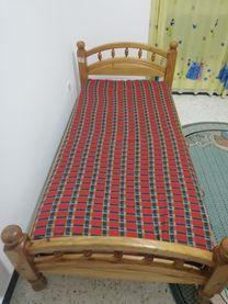 سرير سنجل للبيع