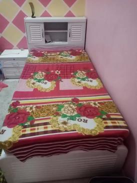 سرير كامل بالمرتبة للبيع