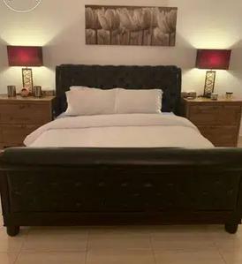 سرير واحد بحجم كينغ نابليون - لا يشمل المرتبة 9