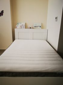 Bed and mattresses in very good condition