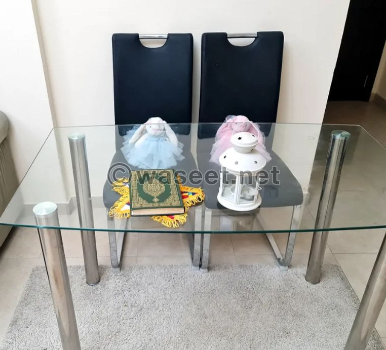 Excellent table for sale 0