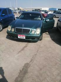 سيارة مرسيدس 2001 للبيع