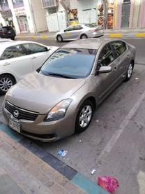 سيارة نيسان التيما 2008