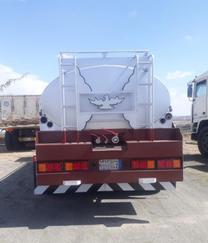 شاحنة مرسيدس -الموديل:  1996