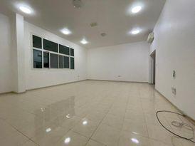 شقة ثلاث غرف وصالة للايجار بمدينة خليفة ( أ )