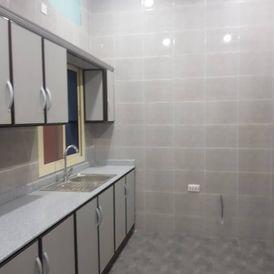 شقة جديدة للإيجار تشطيب راقي ٣ غرف الرفاع الغربي