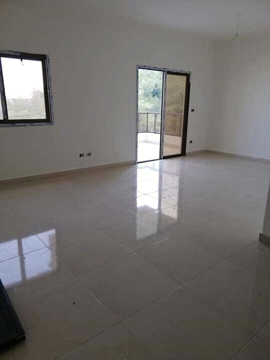 شقة جديدة للبيع بدوحة عرمون ومطلة
