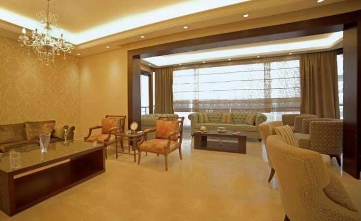 شقة فخمة برسم البيع في راس بيروت