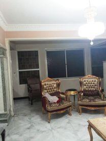شقة لقطة للبيع بمصر الجديدة  امام بوابة نادي الشمس...