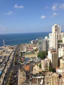 شقة للبيع براس بيروت منظر بحر 250م