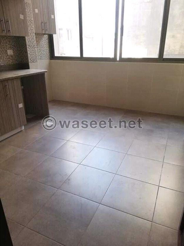شقة للبيع جديدة في برج ابي حيدر