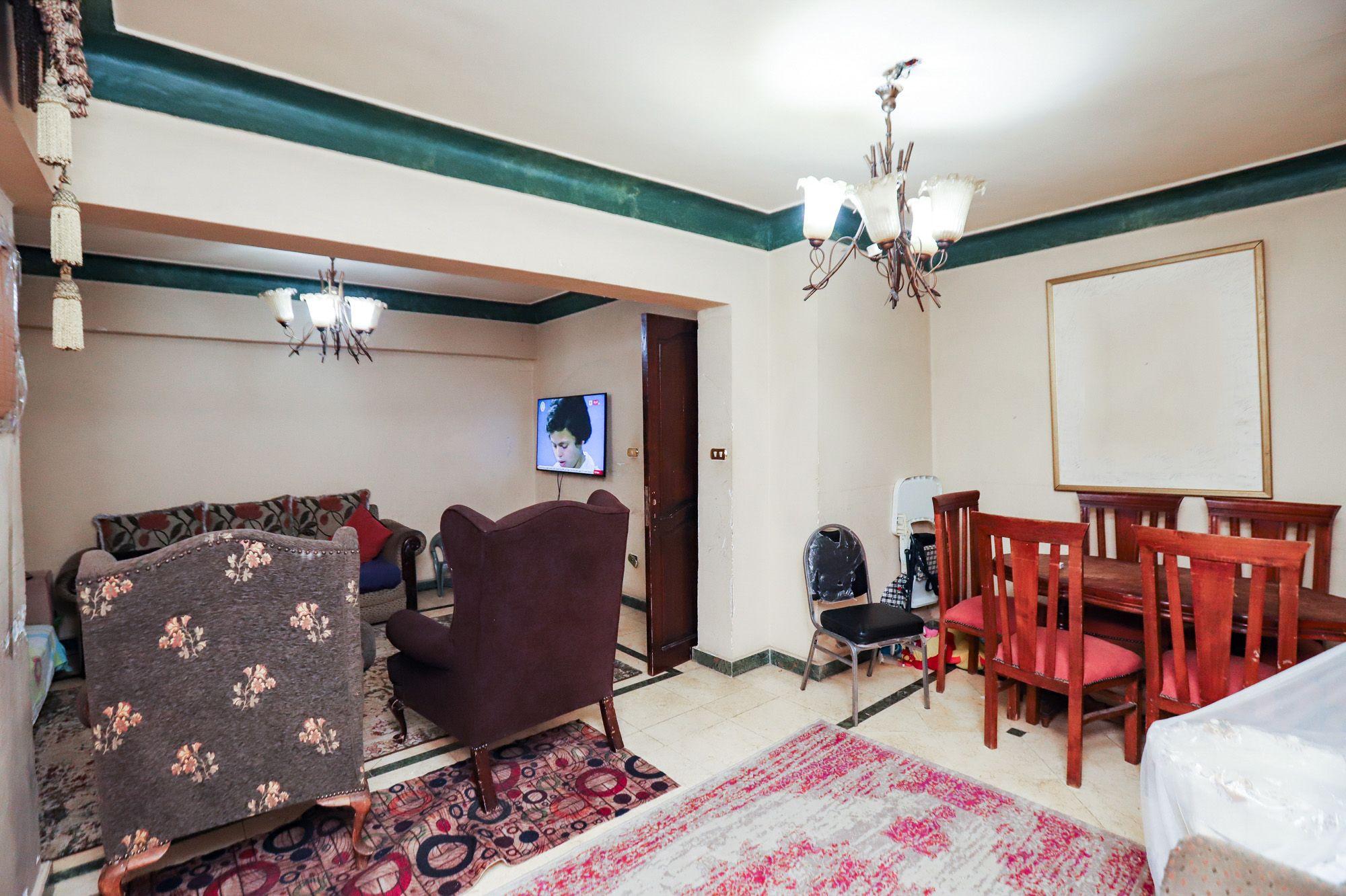 شقة للبيع 230 م سموحة (ش مصطفى كامل)