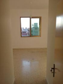 شقة مرتبة للبيع بدوحة عرمون