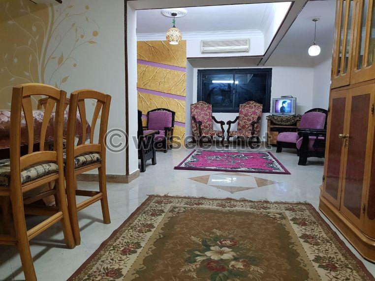 شقة للإيجار بين شارع أحمد فخري والنادي الأهلي