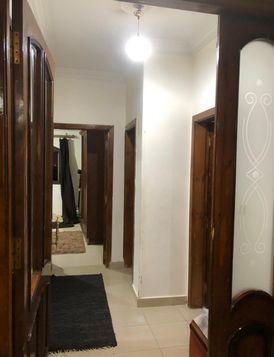 للإيجار  شقة ٢٠٠ متر غرفتين بالتجمع