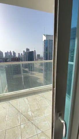 شقق جاهزة على قناة دبي المائية بعائد ثابت 8% لمدة خمس سنوات