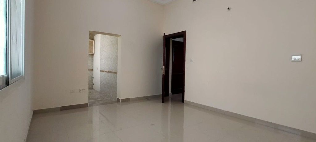 Apartment for rent in Shakhbout City