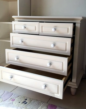 Drawers table for storing clothes and accessories