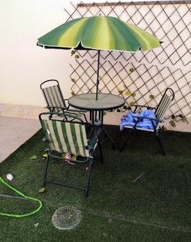 طاولة خارجية مع 3 كراسي