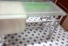 طاولة مكتب ابيض للبيع