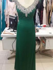 عرض رائع بمحل أسيل لفساتين السهرة والأعراس...