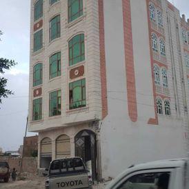 عمارة للبيع في صنعاء الجراف شارع ٢٤مترتجاري