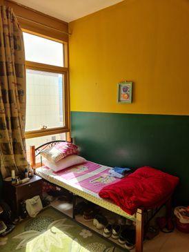 غرفة مزدوجة للإيجار للشباب