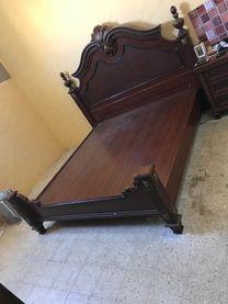 غرفة نوم مع دولاب للبيع